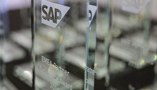 fkom16_bcn_partner_excellent_award_emeamee_2235-thumb-1